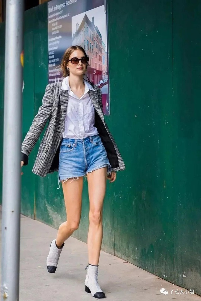 Trời se lạnh chưa biết mặc gì vừa đẹp vừa chất thì bạn hãy diện áo blazer và quần short là có ngay outfit 10 điểm - Ảnh 9.