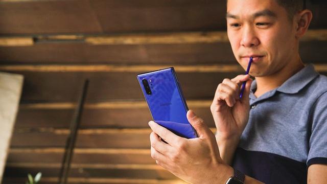 Loạt smartphone màu xanh dương giống iPhone 12 nhưng giá bằng một nửa - Ảnh 2.