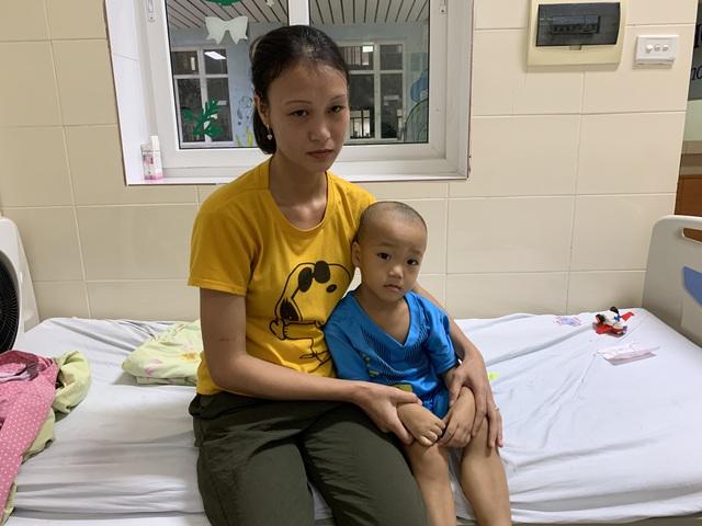 Gia cảnh tuyệt vọng của đôi vợ chồng có con lớn 3 tuổi mắc ung thư, con út 2 tuổi bị bệnh down - Ảnh 3.