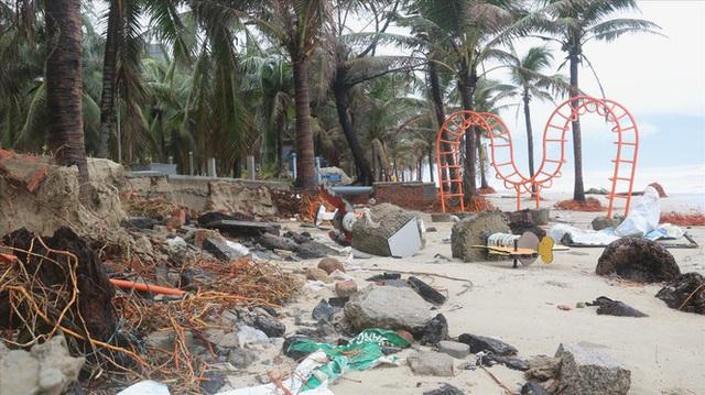 Các tỉnh miền Trung tiếp tục gánh nhiều thiệt hại do bão số 13 - Ảnh 3.