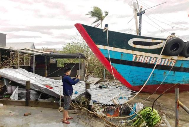 Các tỉnh miền Trung tiếp tục gánh nhiều thiệt hại do bão số 13 - Ảnh 5.