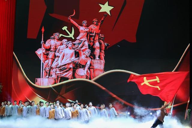 """PGS.TS Nguyễn Ngọc Minh: """"Việt Nam chống dịch COVID-19 thành công, trở thành một điểm sáng của cả thế giới về ý chí quyết tâm và lòng nhân ái"""" - Ảnh 2."""