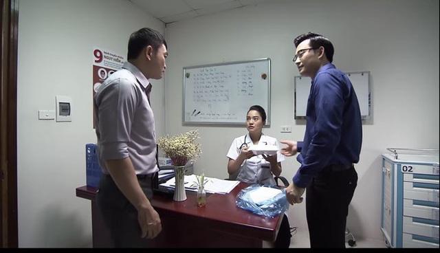 Lửa ấm tập 35: Thủy sốc nặng khi em gái chồng thông báo Minh có con gái với tiểu tam - Ảnh 2.