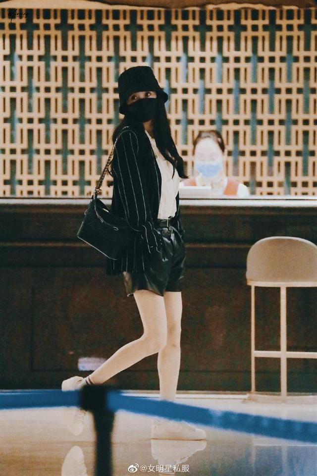 3 kiểu blazer được sao châu Á cưng nhất vì mặc thế nào cũng đẹp và sang - Ảnh 2.