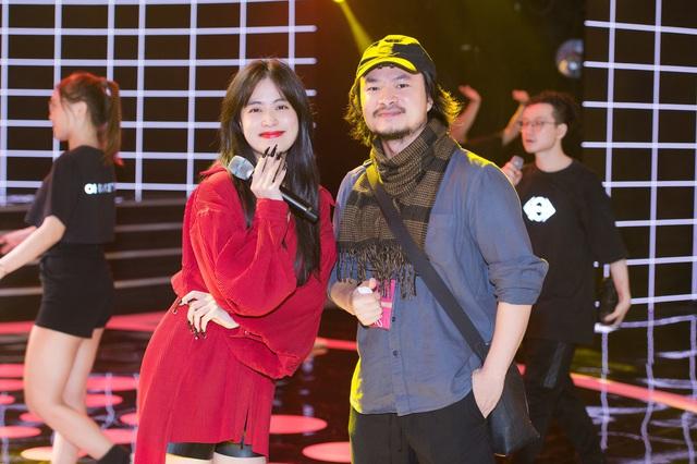 """Trước """"giờ G"""" Hoa hậu Việt Nam 2020 """"soi"""" Hoàng Thùy Linh, Minh Tuyết cùng dàn sao tổng duyệt - Ảnh 8."""