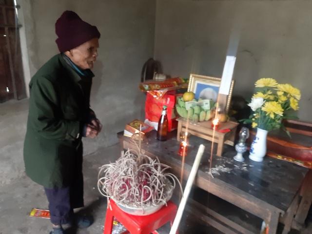 Xót xa câu chuyện chồng mù gần 90 tuổi đốt lửa sưởi ấm khiến vợ chết cháy - Ảnh 3.