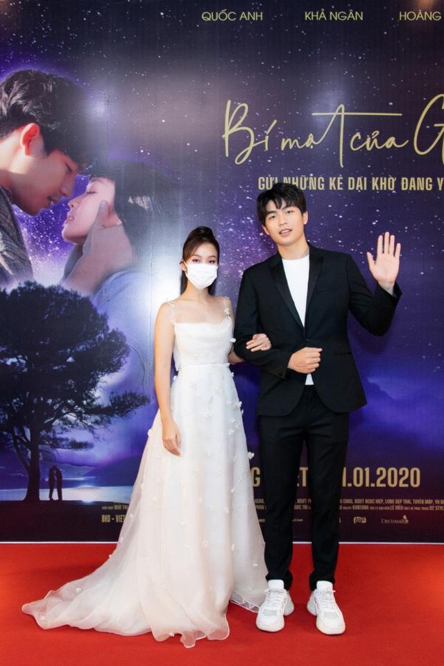 NSND Hồng Vân, Bích Phương dừng show, nhóm nhạc Hàn WINNER vẫn diễn bất chấp virus corona - Ảnh 5.