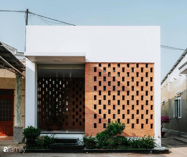 Nhà cấp 4 đẹp như resort 5 sao của đôi vợ chồng trẻ cùng hai cậu con trai nhỏ ở ngoại ô thành phố Biên Hòa, Đồng Nai - Ảnh 2.