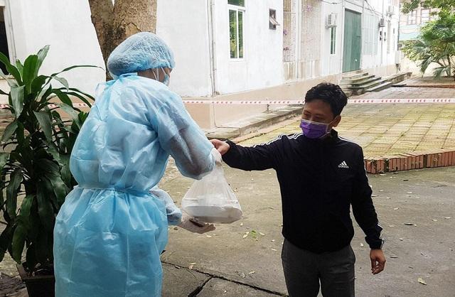 Phút trải lòng của chiến sỹ áo trắng tại nơi điều trị nhiều bệnh nhân nhiễm nCoV nhất nước - Ảnh 3.