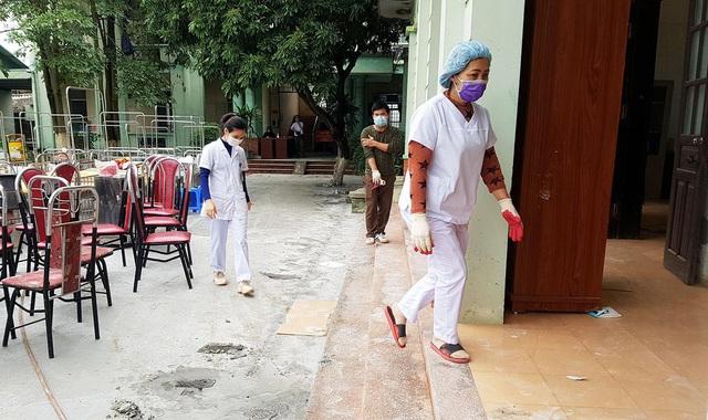 Phút trải lòng của chiến sỹ áo trắng tại nơi điều trị nhiều bệnh nhân nhiễm nCoV nhất nước - Ảnh 5.