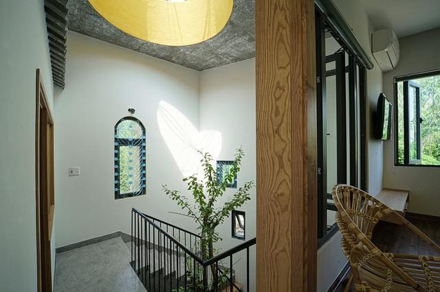 Ngôi nhà hình hoa cúc của nữ họa sĩ  - Ảnh 9.