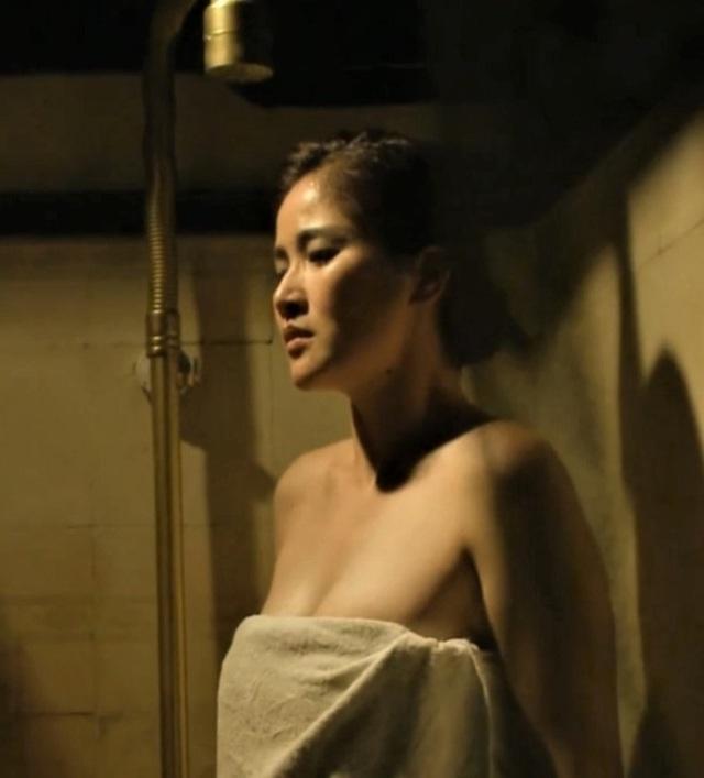 Thảo Trang: 16 tuổi yêu cầu thủ Phan Thanh Bình nhưng quen mấy năm trời mới cho hôn má - Ảnh 2.