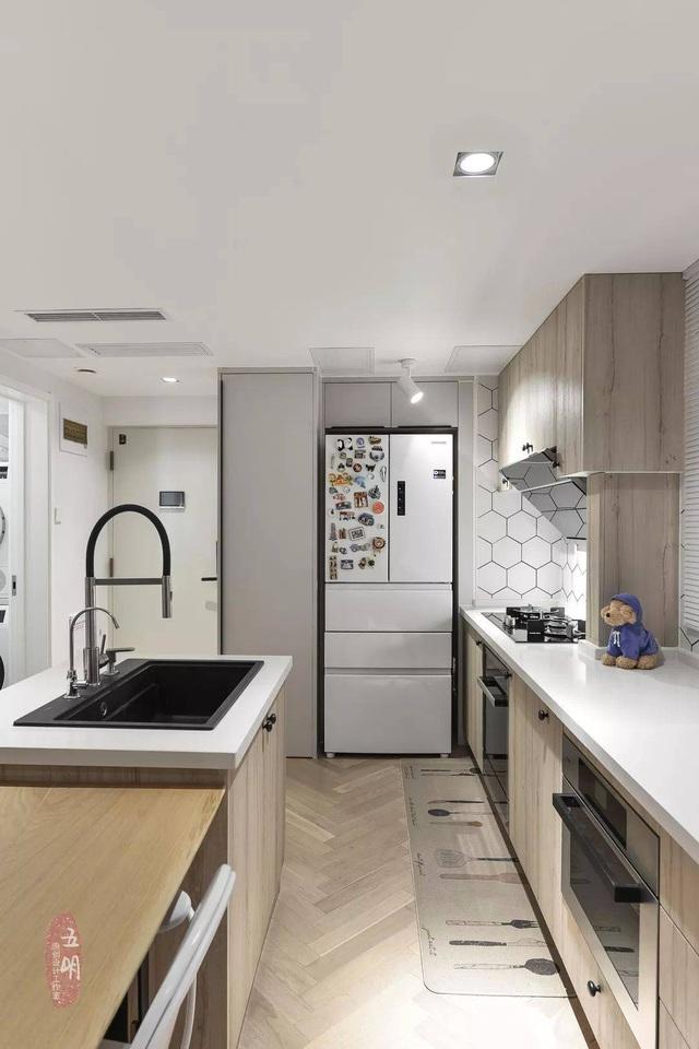 Gia đình trẻ cải tạo căn ký túc xá cũ rộng 80m² thành không gian sống nhiều ánh sáng - Ảnh 8.