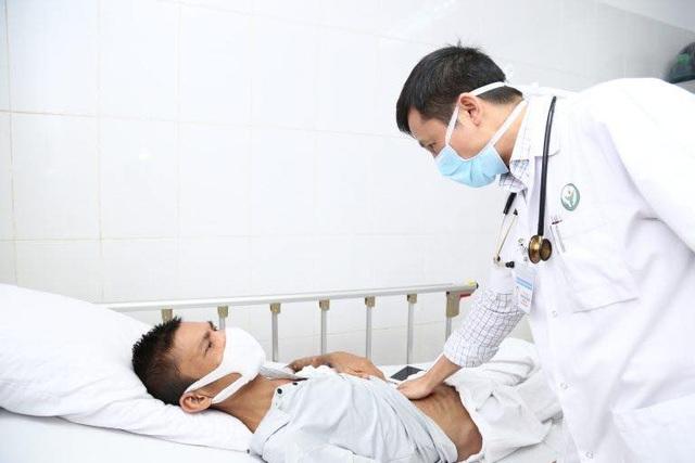 Tiểu ra mỡ - dấu hiệu lạ cảnh báo bệnh thận - Ảnh 1.