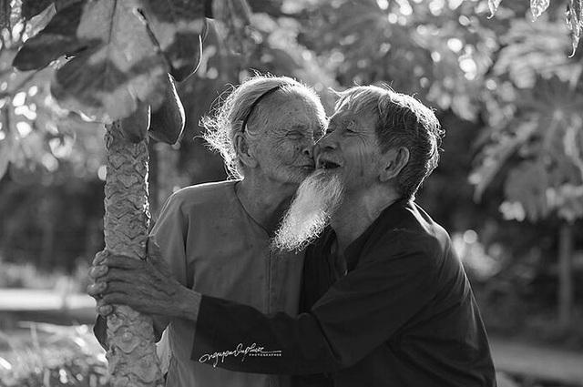 Cặp vợ chồng Hội An: Đến chết vẫn còn yêu - Ảnh 4.