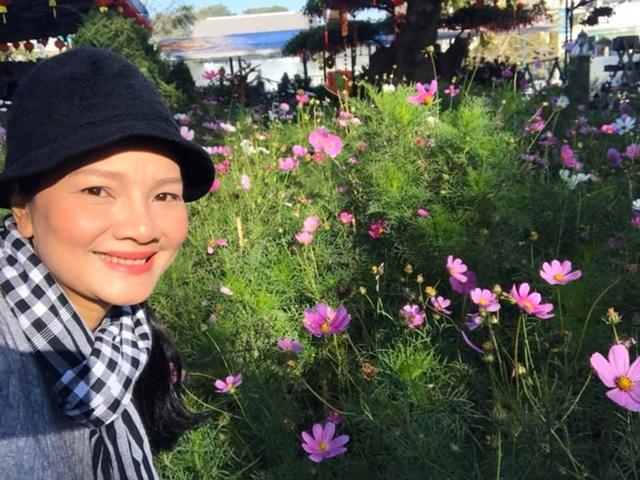 Kiều Trinh thu hoạch mỏi tay sau một năm làm vườn ở Bình Phước - Ảnh 4.