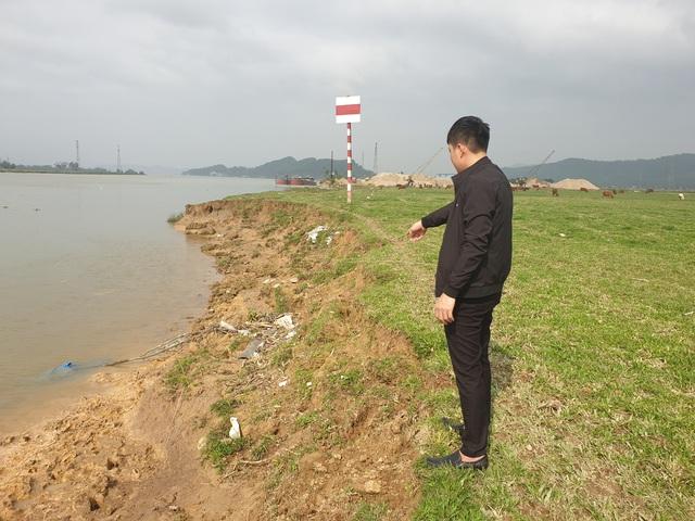 """Huyện Nghi Xuân, Hà Tĩnh: Sông """"ngoạm"""" làng, dân bàng hoàng mất đất - Ảnh 1."""