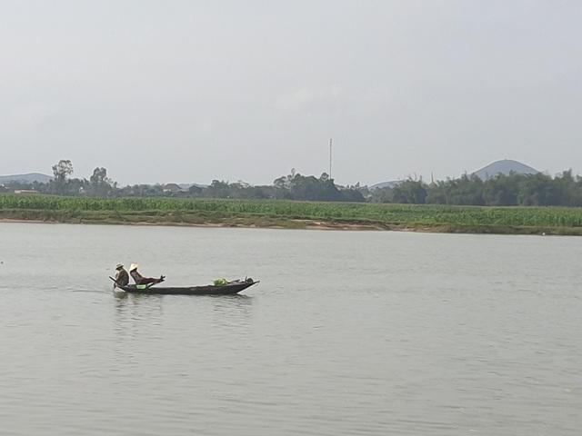 """Huyện Nghi Xuân, Hà Tĩnh: Sông """"ngoạm"""" làng, dân bàng hoàng mất đất - Ảnh 2."""