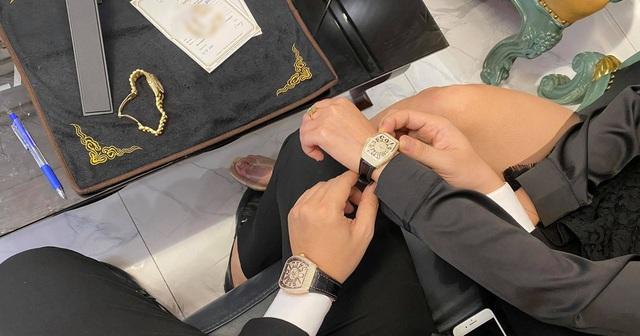 Đại gia mua đồng hồ dát kim cương hơn 1 tỷ đồng tặng bạn gái dịp Valentine - Ảnh 2.