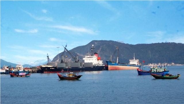Sẵn sàng tiếp nhận, cách ly 10 thuyền viên trở về từ Trung Quốc - Ảnh 2.