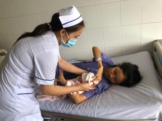 15 phút cứu sản phụ nguy kịch do mắc bệnh tim bẩm sinh - Ảnh 1.