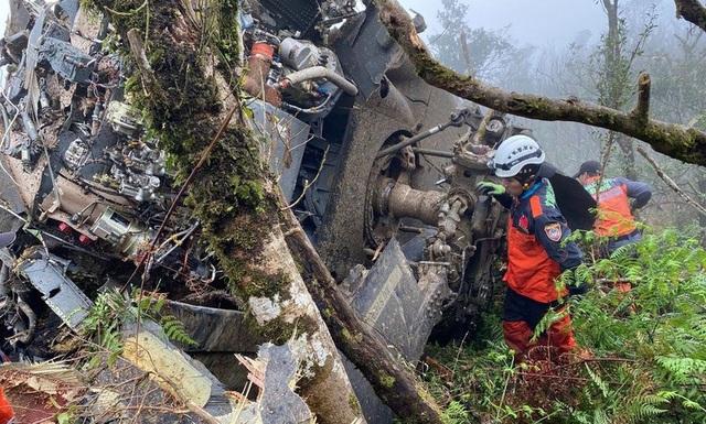 Trực thăng chở tướng Đài Loan rơi vì sương mù  - Ảnh 1.
