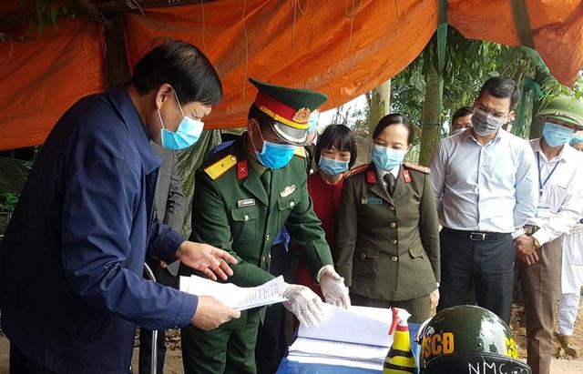 Thứ trưởng Bộ Y tế Đỗ Xuân Tuyên: Dịch bệnh ở Vĩnh Phúc vẫn được kiểm soát tốt - Ảnh 5.