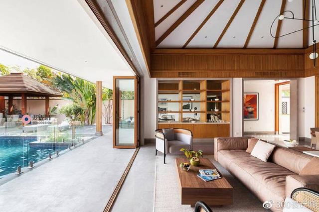 Ngôi nhà có kiến trúc theo lối truyền thống được bao quanh bởi khu vườn rộng 1200m² - Ảnh 7.
