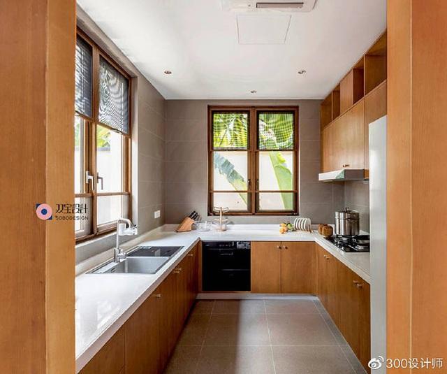 Ngôi nhà có kiến trúc theo lối truyền thống được bao quanh bởi khu vườn rộng 1200m² - Ảnh 11.