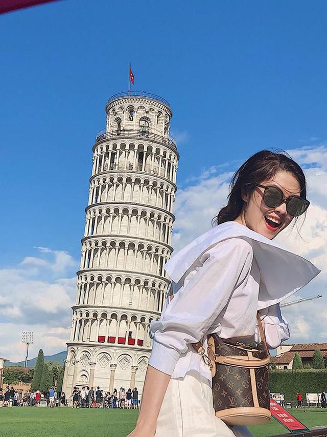 Đời tư ít biết của siêu mẫu hơn 6 tuổi mà Song Luân vừa công khai là bạn gái - Ảnh 5.
