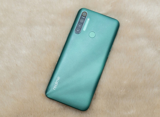 6 smartphone đáng chú ý dưới 4 triệu đồng  - Ảnh 1.