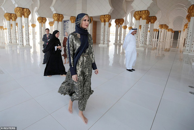 Hình ảnh Ivanka Trump ở Ả Rập Xê-út khiến ai cũng mê mẩn vì thần thái quá đẹp - Ảnh 4.