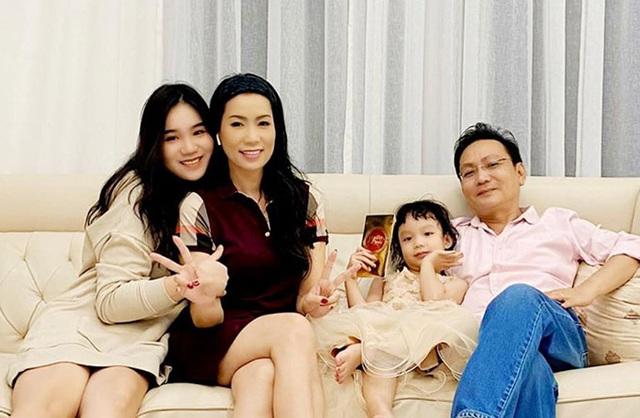 Trịnh Kim Chi quấn quýt chồng đại gia - Ảnh 6.