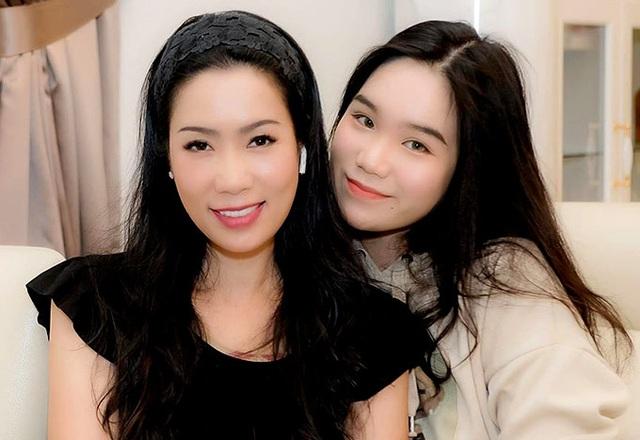 Trịnh Kim Chi quấn quýt chồng đại gia - Ảnh 7.