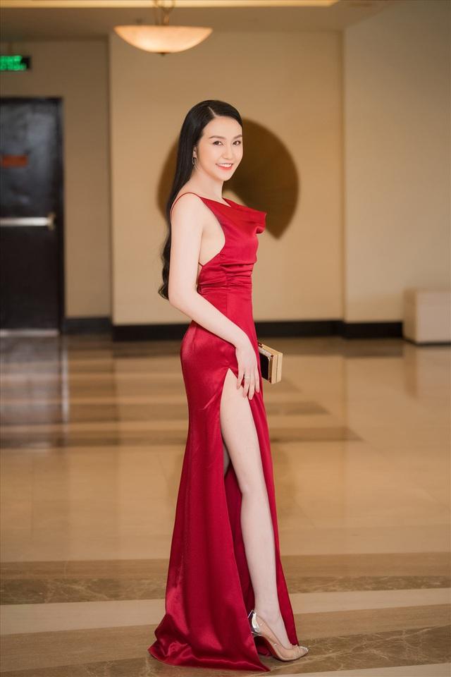 Hương Baby- từ hotgirl nhà giàu đến người vợ giỏi giang khiến Tuấn Hưng nể phục - Ảnh 4.