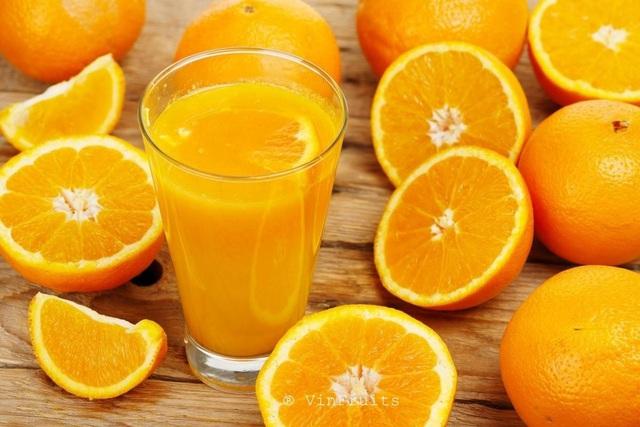 4 tác dụng phụ đáng sợ khi ăn cam sai cách, chuyên gia chỉ cách căn cam cũng cần phải kỹ thuật - Ảnh 1.