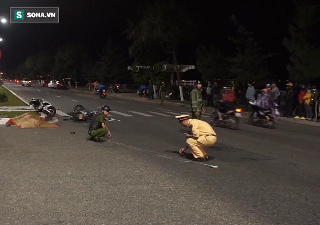 Lái xe qua đường giữa đêm khuya, người đàn ông bị xe máy tông tử vong - Ảnh 1.