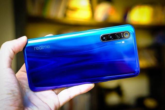 6 smartphone tầm trung camera khủng  - Ảnh 2.