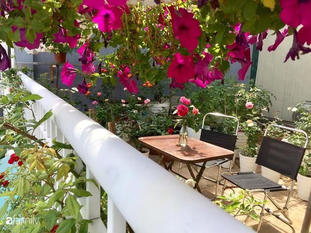Mê hoa hồng, cô gái trẻ xứ Huế quyết tâm thức khuya dậy sớm tạo cả khu vườn hồng rực rỡ trên sân thượng - Ảnh 18.