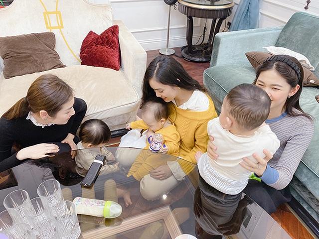 Á hậu Thanh Tú ôm con đi hội ngộ đội mỹ nhân Hoa hậu Việt Nam - Ảnh 6.