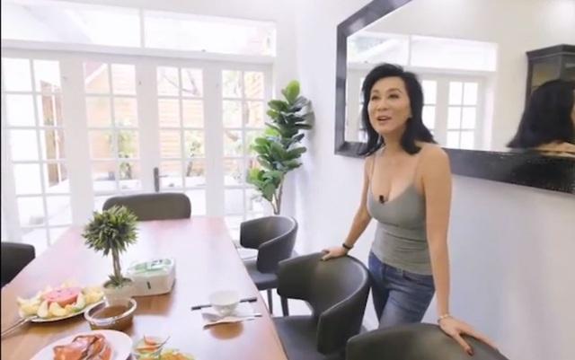 Chuyên gia trang điểm Nhật Bình đến thăm nhà mới của Kỳ Duyên, hé lộ không gian tráng lệ bên trong - Ảnh 8.
