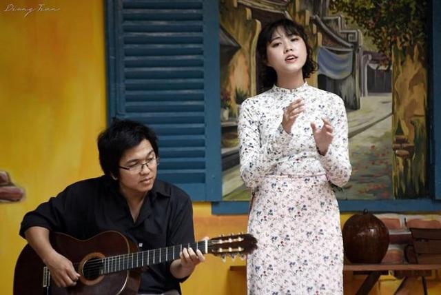 """Cô gái hát nhạc Trịnh """"Ta đã thấy gì trong đêm nay"""" gây sốt là ai? - Ảnh 3."""