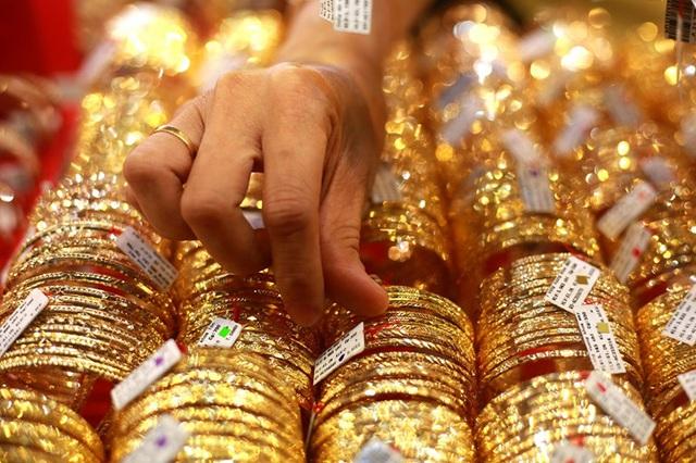 Giá vàng hôm nay 23/2: Tăng không ngừng nghỉ, vẫn trên ngưỡng 46 triệu đồng/lượng - Ảnh 1.