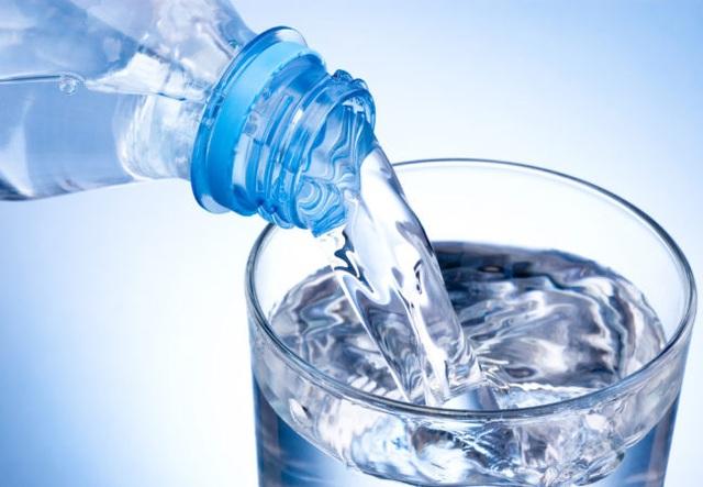Bí quyết sống lành mạnh hoá ra thật đơn giản liên quan tới việc uống 8 ly nước mỗi ngày - Ảnh 2.