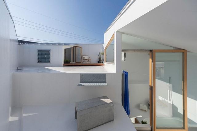 Mê cung trong căn nhà 3 tầng khi mặt sàn được chia thành 16 độ cao khác nhau - Ảnh 8.