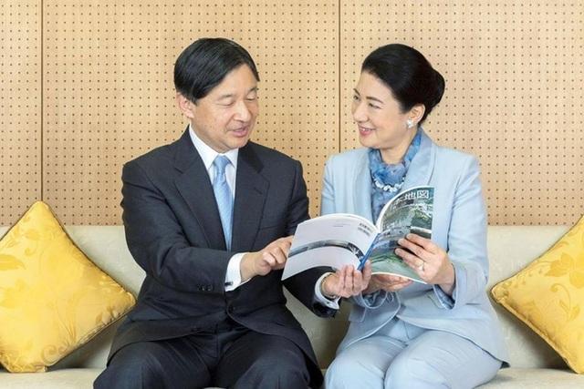 Nhật hoàng mừng sinh nhật tuổi 60 và chia sẻ về bệnh tình hiện tại của Hoàng hậu Masako khiến ai cũng xúc động - Ảnh 1.