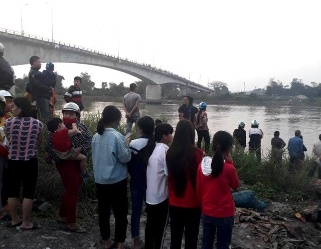 Đã tìm thấy thi thể người phụ nữ quê Hải Dương nhảy cầu tự tử  - Ảnh 3.