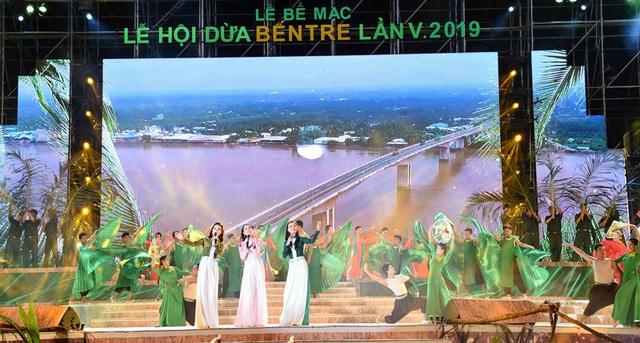20 tỷ đồng tiền tài trợ cho Lễ hội Dừa Bến Tre năm 2019 đang ở đâu? - Ảnh 1.