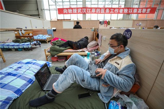 Cuộc sống tại bệnh viện dã chiến Vũ Hán - Ảnh 8.