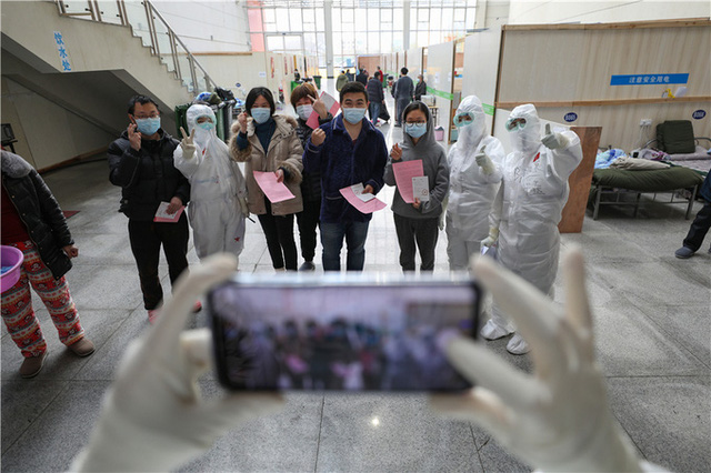 Cuộc sống tại bệnh viện dã chiến Vũ Hán - Ảnh 10.
